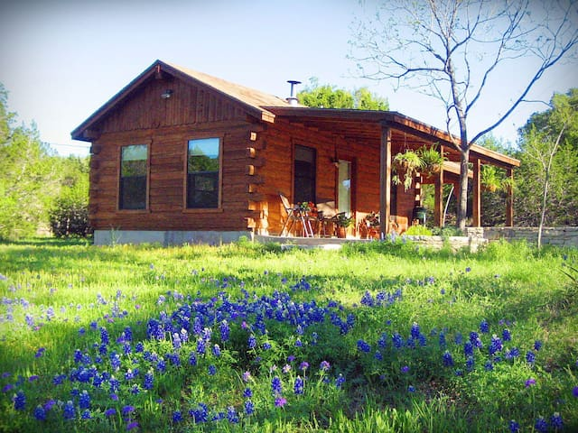 Romantic Log Cabin on Smith Creek - Wimberley - Kulübe