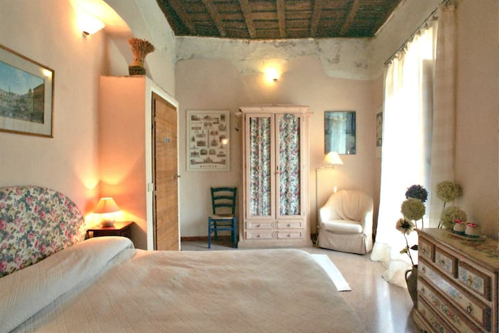 Romantic hideaway 1 hour from Rome - Casperia - 家庭式旅館