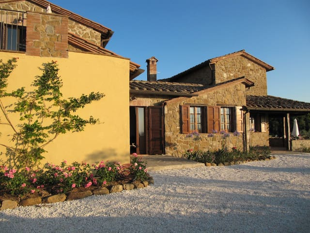 Romantico casale - Paciano - Bed & Breakfast