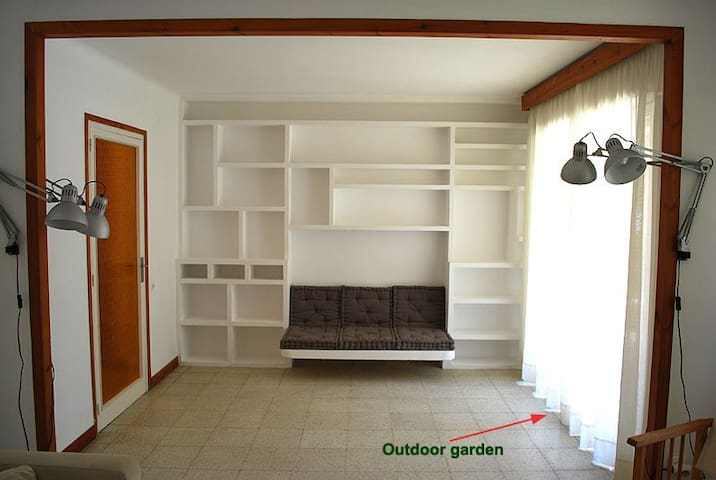 APARTMENT & GARDEN AT 35 KM OF BCN