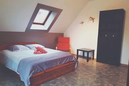 Chambre avec balcon proche des vosges et de Colmar