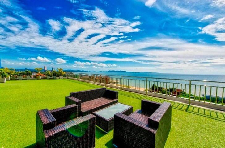 Brand New!! Honeymoon Ocean View Private Hideaway!