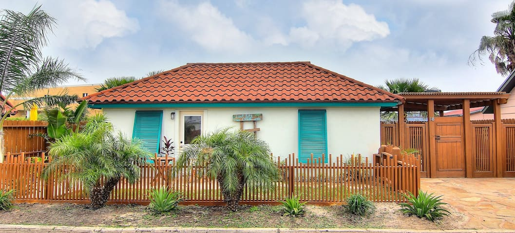 Lorna Beach Cottage at Spanish Village