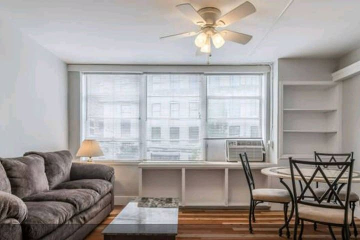Short North 1 Bed Apartment - WALK EVERYWHERE!