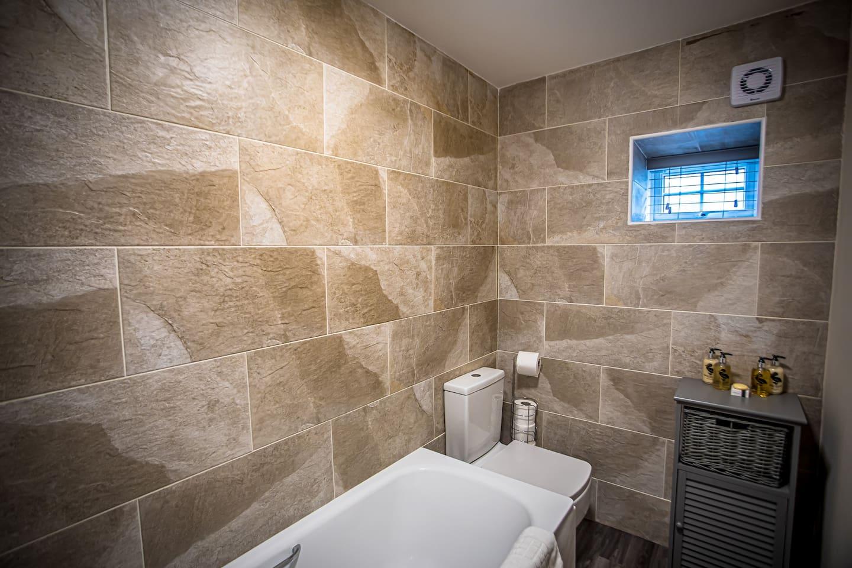 Apartment 3 Bathroom