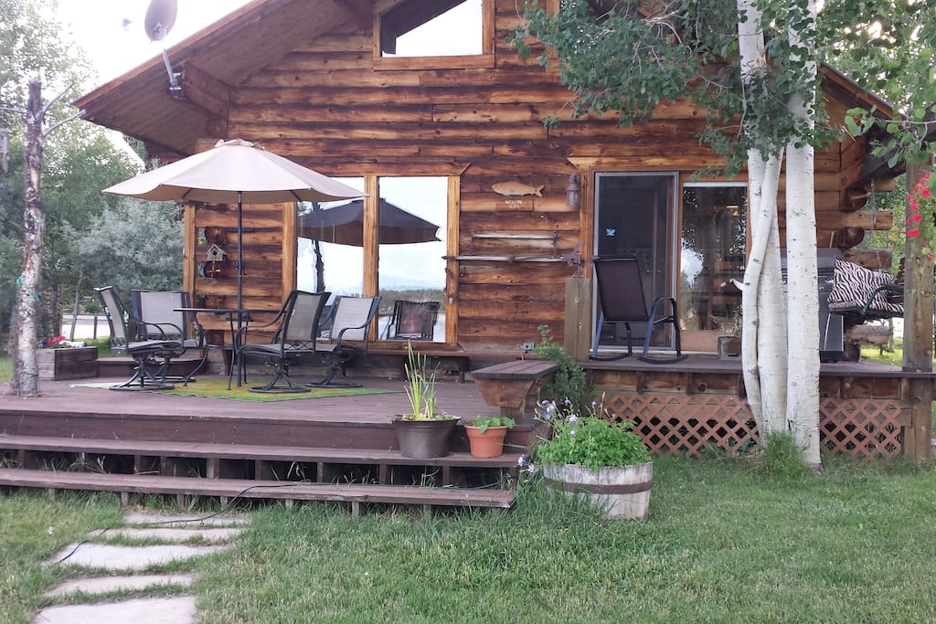 Authentic lakesfront log cabin with views cabins for for Cabin rental colorado springs