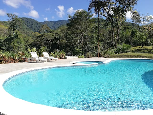 Hacienda Mil Bellezas-Jungle Lodge with Great Pool