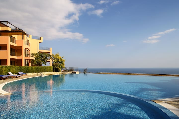 Exclusive apt with pool, big balcony & sea view - Topola - Serviced flat