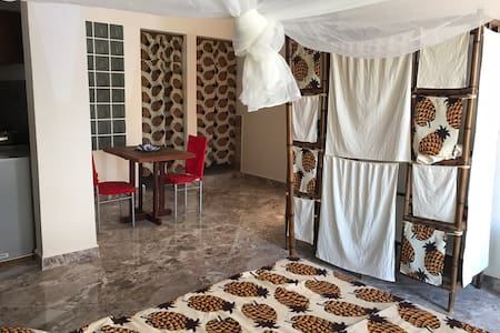 A3 Beaux logement indépendant dans pavillon d'hôte