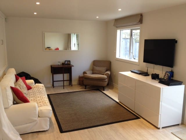New Studio Flat in St Heliers - Auckland