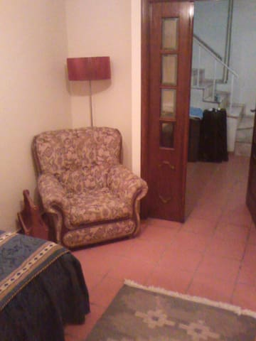 Single room in typical cosy house - Guimarães - House