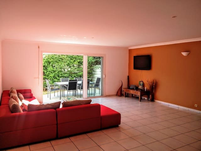 Bedroom in large apartment, Garden 200m from sea B - Noumea - Appartement