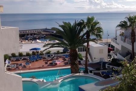Casa Delfin Studio pool & sea views - Puerto del Carmen
