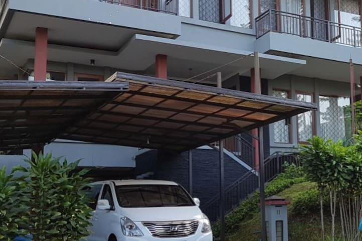 ★Hill Top Bukit Dago-Bandung Country House★