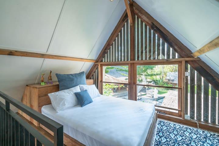 Quirky Stone Loft Room In a 5-Star Neighbourhood