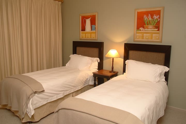 Pinnacle Point - 2 Bedroom Villa - Mossel Bay