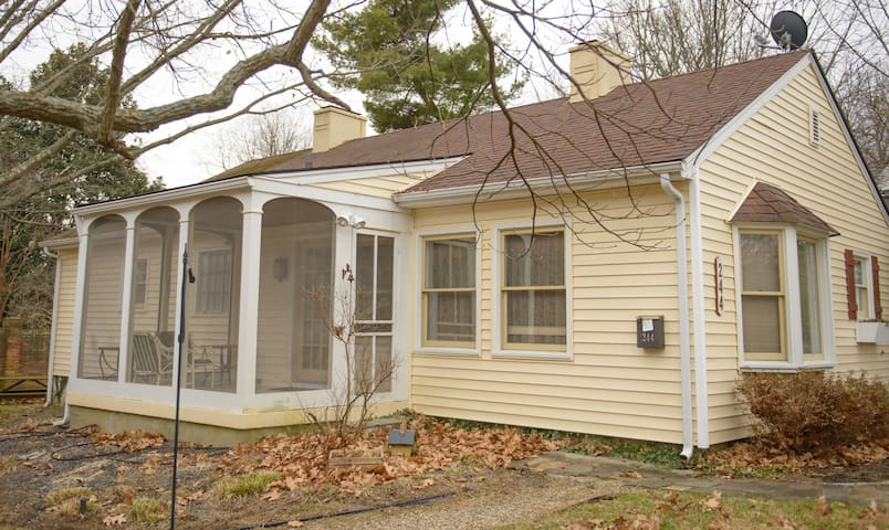 Ideal Cottage for Keeneland Racing and Sales