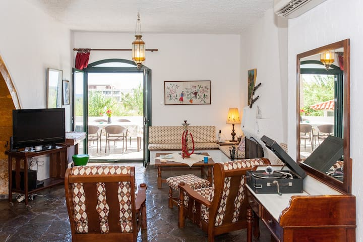 Traditional Sea Side Cottage - Chania - Chania - Huvila