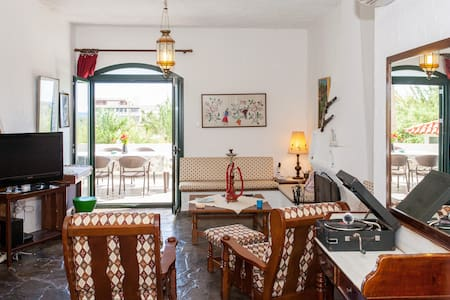 Traditional Sea Side Cottage - Chania - La Canea