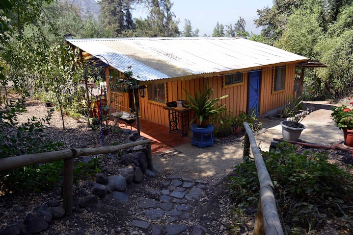 Acogedora cabaña en la montaña