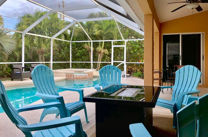 Cape Harbour Area, Private Heated Pool Home