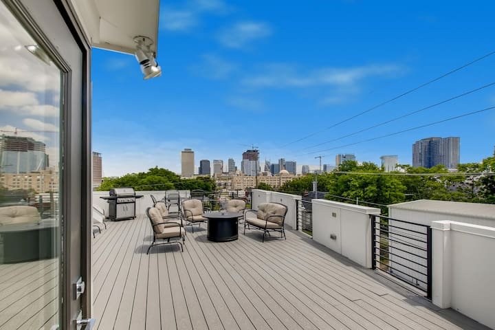 3- Downtown Home Rooftop with City Views -- 6 Beds