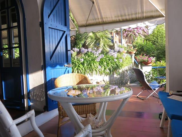 Villa Fiorita vista mare e giardino