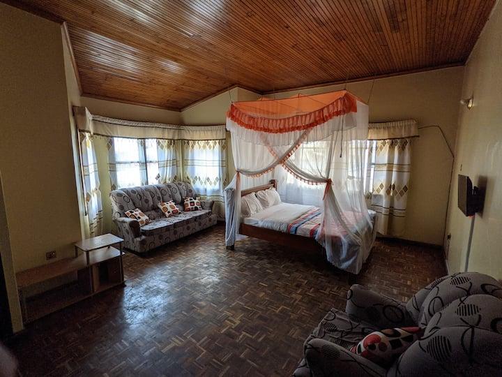 Mandela @ Varleria Hotel