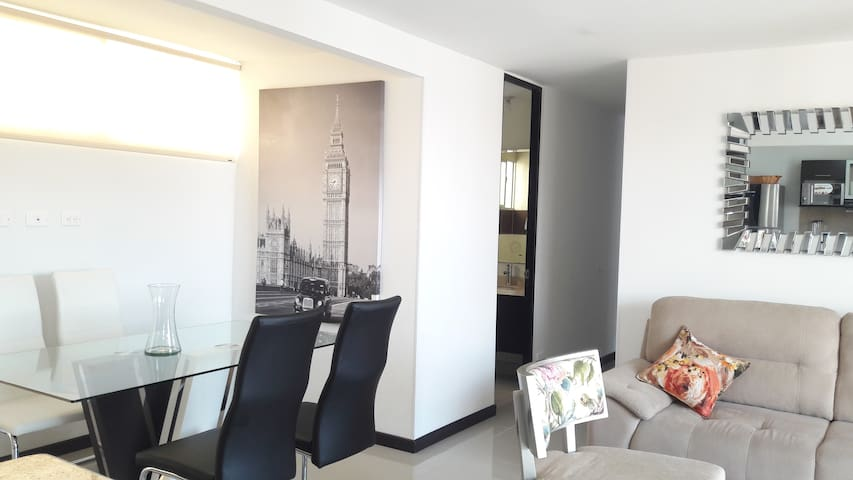 LUXURIOUS APARTMENT NEAR CHIPICHAPE SHOPPING 1221
