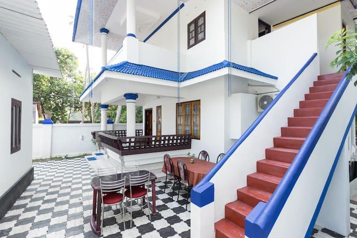 Private room near Marari beach - Xanadu Villa..!!