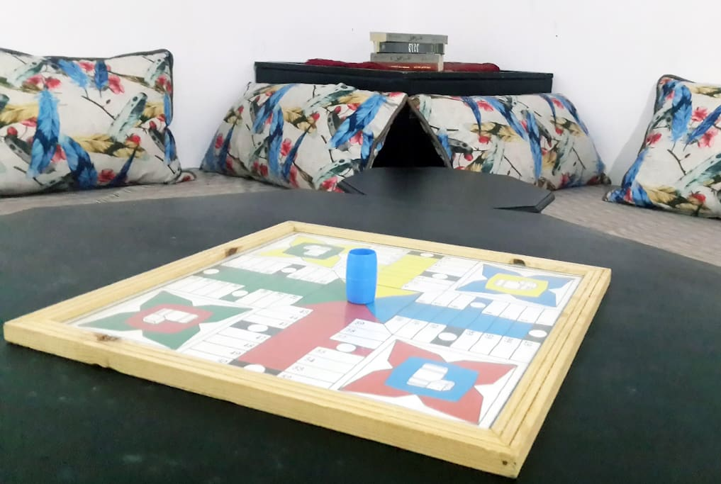 Play Parchis ! with your freinds/Family