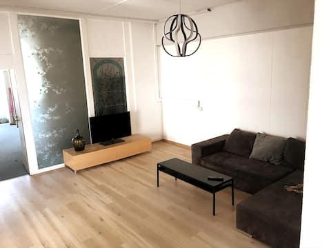Renovierte und komfortable Wohnung bis zu zehn
