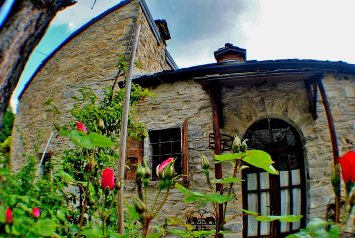 BARBUGLI- Cottage degli Elfi - Bettola