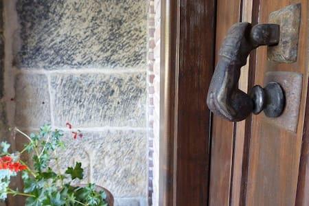 África Alma house. Taste of Rioja - Villalobar - Hus