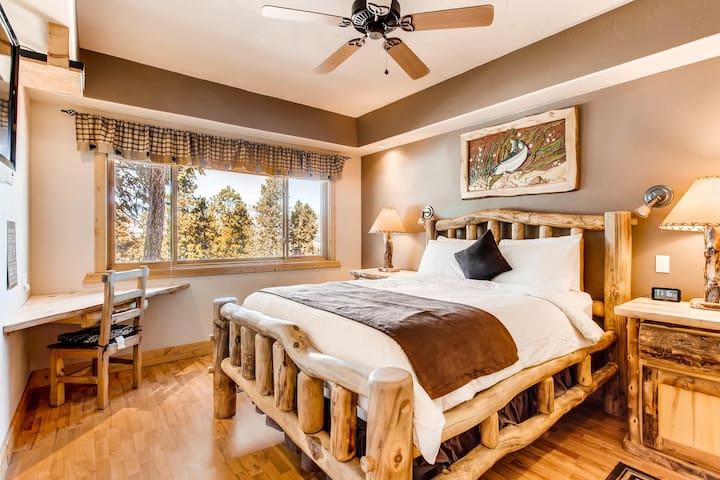 Bedroom One Queen