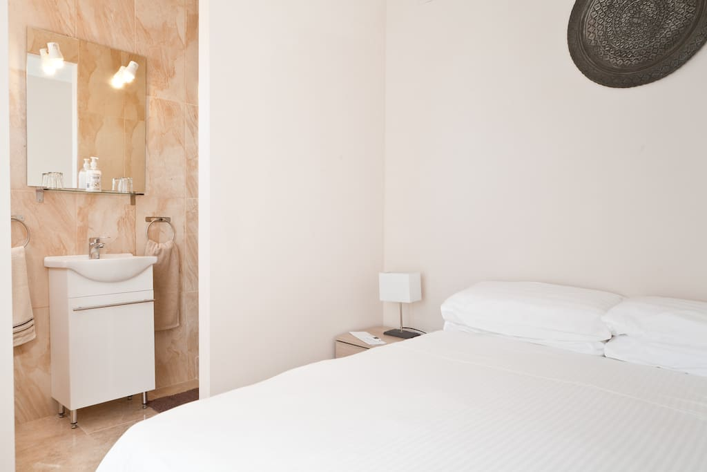 The Oliva room - at €50 per night for two persons including breakfast this represents great value for money. Situated on the east side of the house to capture the morning sun, this ensuite room has all amenities