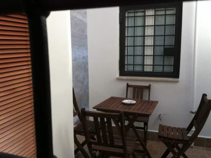 Roma: Casa con cortile!!! Occasione
