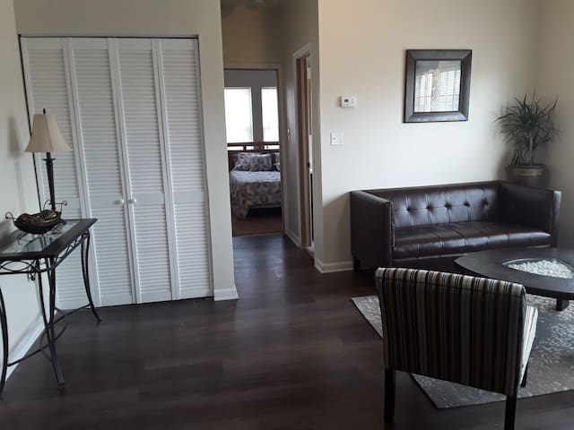 Newly Renovated Suite Perfect for Short  Term 203