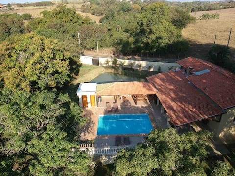 Linda e aconchegante casa  de campo em Piracicaba
