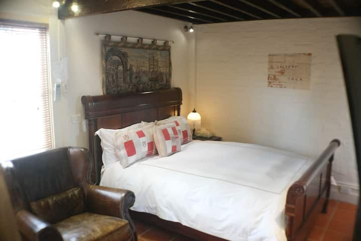 Coach House Apartment