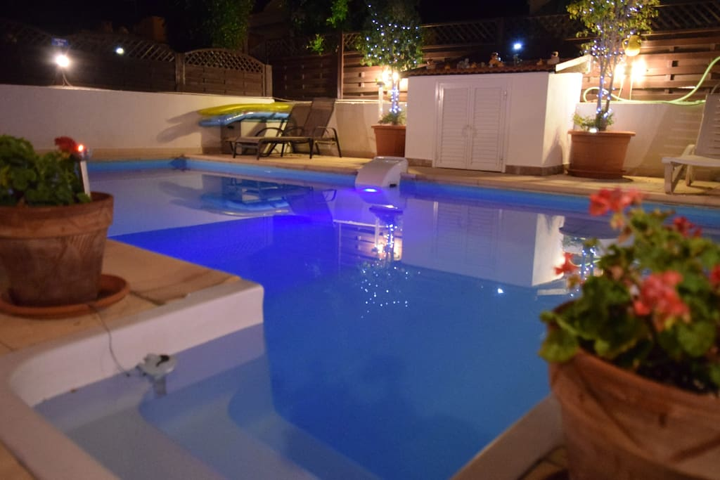 Private 8X4m Swimming Pool