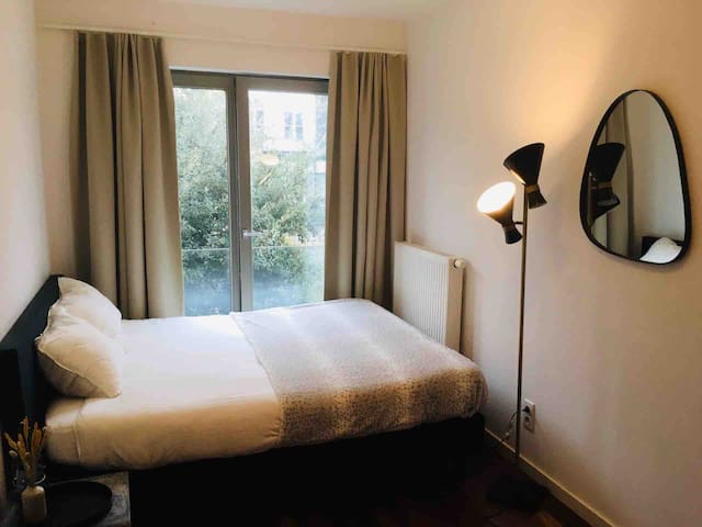 Beautiful room with view on historic buildings
