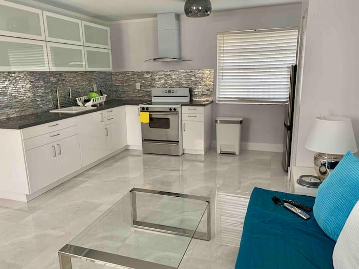 Beautiful 1 bedroom apartment in Coral Way