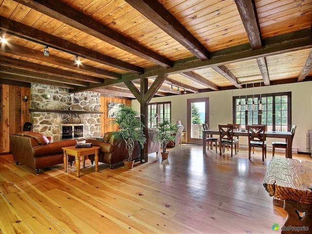 Warm Rustic Chalet 5 Min Away From St-Sauveur
