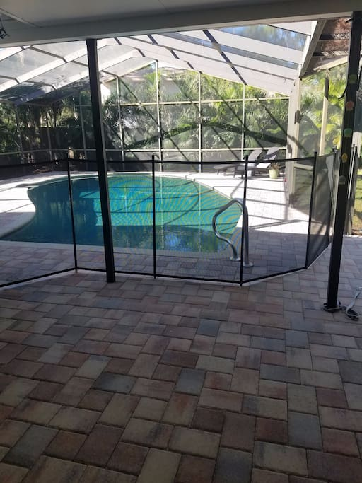 Newly complete salt water pool, fenced and private back yard. Safety fence for kids. Lots of toys for kids.