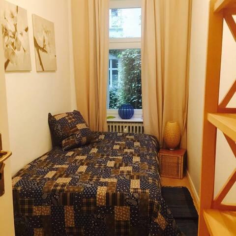 The most beatiuful flat in KDamm - Berliini - Huoneisto
