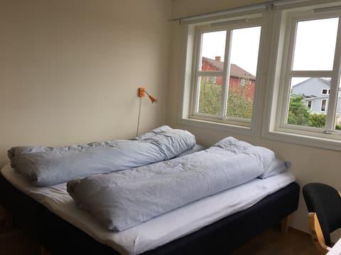 Good beds - free fresh rolls, close to university.