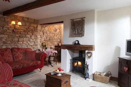 TheHoneypot Cotswold self catering holiday cottage - Chipping Campden