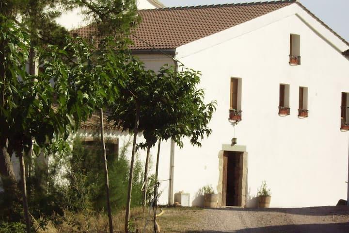 Luxueux gîte en Catalogne avec piscine et jardin meublé
