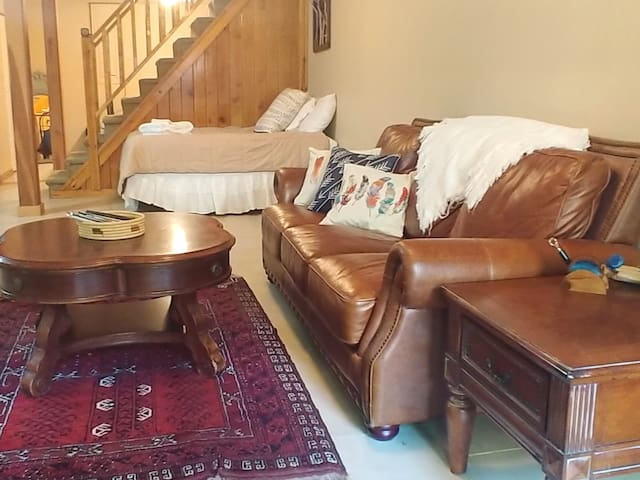 Spacious basement guest suite in central Beech Mtn